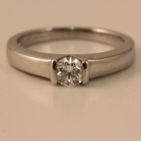 18 carat white gold 0 33 carat engagement ring